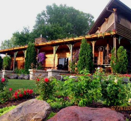 Pet Friendly Wisconsin cabin rentals and cottages on the lake with a boat