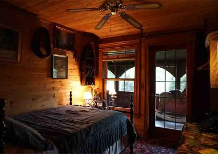 Large cabin vacation rentals in Wisconsin for a large family reunion or large family get together location with cabin rentals