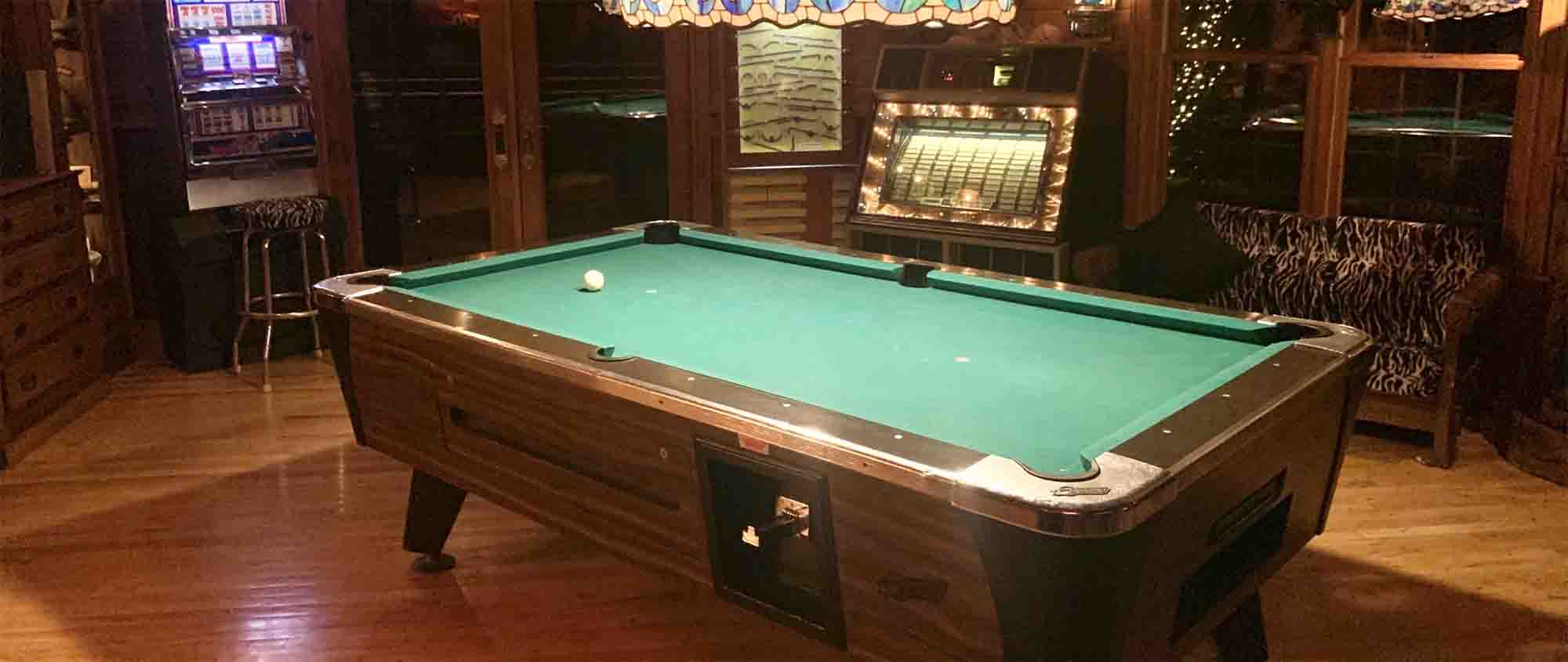 Vacation Rental Near Me with Pool Table in Wisconsin - PRIVATE